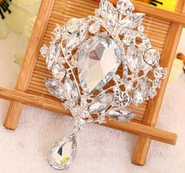 Promotion bijoux de pierres précieuses Luxe bijou strass broches de cristal femmes de la mode mariage de partie charme des bijoux en alliage ruban plaqué broches Broche cadeau blanche
