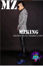 White male singer fashionable nightclub in Europe and the runway looks m stretch a leopard-print suit costumes. S - 6 xl