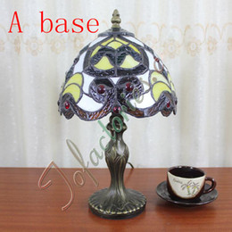 Wholesale Tiffany Castle Garden Baroque Table Lamp Tiffany Vintage Living Room Stained Glass Table Light Bedside Cafes Bar Retro Desk Lamp