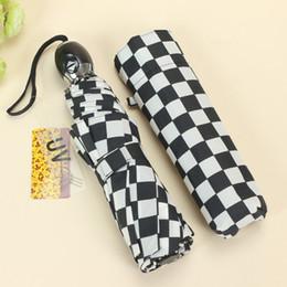 Wholesale Fully automatic British style classic black and white plaid umbrella automobile race umbrella three fold umbrella for men