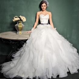 2016 mariage strass robe de cristal 2015 strass corset robe de bal robe de mariage robes de mariée en cristal robe volants robe de mariée avec ceinture en satin véritable image MT007 mariage strass robe de cristal promotion