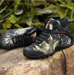 Wholesale Outdoor Hiking Men s Sports Shoes High top Exercise Training Camouflage Military Shoes Khaki Gray Waterproof Non Slip Basketball Shoes