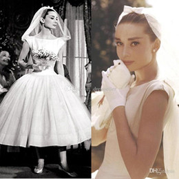 Wholesale Vintage AUDREY HEPBURN A Line Bateau Neckline Cap Sleeve Tea Length Tulle over Taffeta Short Wedding Dresses Inspired Bridal Gown