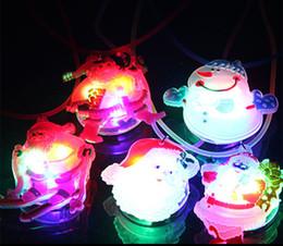 Wholesale Decoración de Navidad Navidad de la historieta niños de iluminación LED collar de Navidad muñeco de nieve de Santa Claus collar luminoso suave regalos de Navidad
