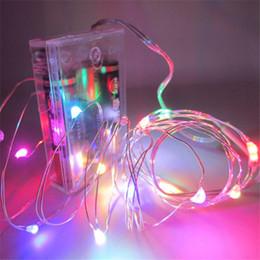 Descuento luces de hadas blancas con pilas 100PCS LOT alambre de cobre LED cadena de hadas de luz Chistmas luces de iluminación 2M 20 LEDS pilas Blanco caliente Multi-Color