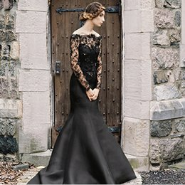 Vintage Black Gothic Dresses Sareh Nouri Mermaid Long Sleeves Bridal Gowns Trumpet Satin Lace Illusion Appliques Sweep Train Custom