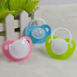 Wholesale Cute Heart Shape High Quality New Safety Infant Silicone Pacifier Hot Funny Dummy Dummies Baby Feeding Pacifiers