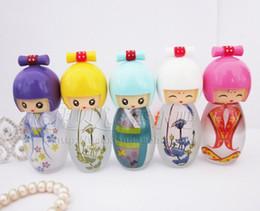 Wholesale 20ML Frosted yuan sink porcelain doll doll perfume bottle empty bottle