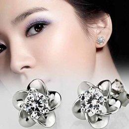Wholesale Beautiful Silver Platinum Plating allergy free crystal stud earrings