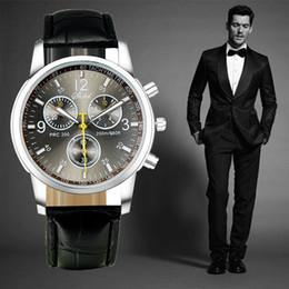 2017 New Quartz Men Watches Fashion & Casual Luxury Leather Watch Elegant Sports Out Door Wristwatch Wholesale relojio Hot Sale!