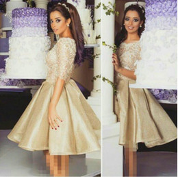 2016 Lace Short Homecoming Dresses with Half Long Sleeves Jewel Neck Champagne Tulle Knee length Prom Gowns vestidos De Festa