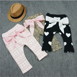Wholesale Hug Me Baby Pants For Girls Christmas Harem Pants Autumn Winter Girls Printed Geometrical Leopard Heart Bow Baby PP Pants MC