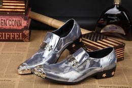 La conception de chaussures de couleur en Ligne-CHAUD!! Les chaussures en cuir de nouveaux hommes en cuir véritable boucles couleur correspondant à des chaussures en cuir de mode conception de pointes Hommes