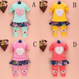 Wholesale 16 Style Spring Autumn Baby Girl Clothing Heart shaped flower pattern Cute two piece fitted Children T shirt Long Pants Kids Sets C001