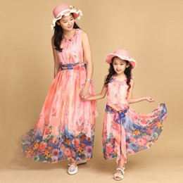 Wholesale Authentic Mom and Daughter Dress with Belt Long Maxi Summer Vacation Dresses Family Beach Dress Chiffon Girls Women Dress