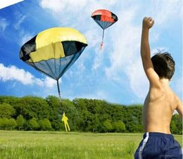Wholesale Parachute Launcher Sky Diver With Figure Soldier Kids Children Outdoor Sport Play Toy Best Christmas gifts to children OPP bag packing
