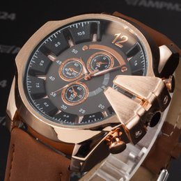 La montre-bracelet pour hommes en Ligne-V6 Big Dial Rose Gold Case Montre bracelet en cuir causal horloge hommes Montres à quartz hommes Sport militaire montre-bracelet / WAA767