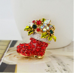 Bright Red Crystals Red Christmas Boot Brooch High Quality Stunning Diamante Fashion Christmas Boot Gift Brooch Pin