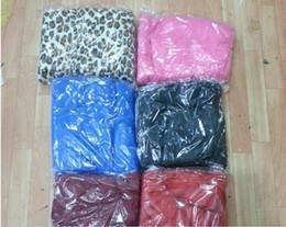 50pcs Soft Warm Fleece Snuggie Blanket Robe Cloak With Cozy Sleeves Wearable Sleeve Blanket Wearable Blanket mix colors