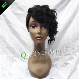 Descuento cortes de pelo rizado corto para las mujeres Reina del estilo de la peluca de la manera de la mezcla de color negro de color marrón oscuro y rizado marginales Rihanna pelucas corte de pelo corto para las mujeres negras