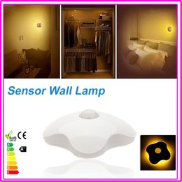 Wholesale Indoor Night Light Intelligent Four Leaf Clover Design Human Body Auto Motion Light Sensor Induction Lamp Supply By AAA Battery
