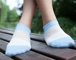 Wholesale-2015 NEW ARRIVAL On Sale Ms Cotton Bump Color Stripe Model Ship Socks