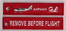 Armadura usada en venta-Quitar antes del vuelo Airvan Fácil uso llavero llavero de equipaje tirón de la cremallera tejido llavero bordado 13 x 2.8cm lote 100pcs