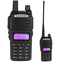 Promotion deux radios bidirectionnelles vente Gros-Hot Vente BaoFeng uv-82 Walkie Talkie Dual Band Two Way Radio Double PTT Headset Portable Radio