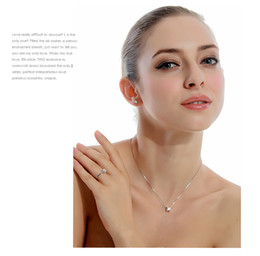 clavicle short paragraph necklace Korean fashion crystal jewelry in Europe and America unique pendants