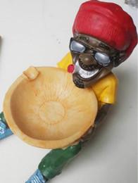Free shipping wholesalers ----- 2015 newMETTLE Jamaica resin ashtray creative, product size 13 * 9 * 11cm, personalized gift boy