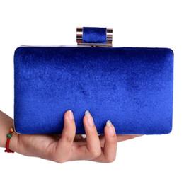 Promotion mélanger le cas de la mode 2015 NOUVEAU européennes Mode féminine Pochette Velvet chaîne d'épaule Sacs de soirée Mix 4 Couleurs Messenger Bag Hard Case Sac Purse