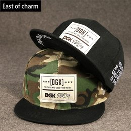 Wholesale Cool Fashion Black or Camouflage Color Label Baseball Cap Outdoor Hip Hop Cap Snapback Hat Snapback Cap Men Women Adjustable