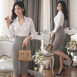 Wholesale bandage plaid skirt and blouse sets women sexy crop top and skirt set ladies pencil skirt suits