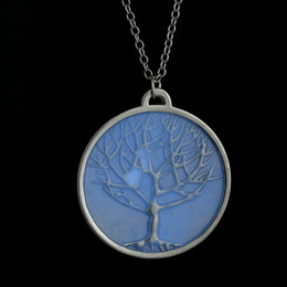 Luminous Necklaces For Women Wholesale Vintage Glowing necklace Silver Plated Glow In Dark Round Life Tree Necklace Pendants