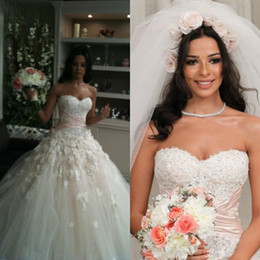 Classical Nadine Njeim Vintage Wedding Dresses A Line Colorful Pink Sash Bow Bridal Gowns with 3d Handmade Appliques Wear Long Train