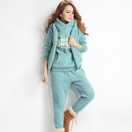 Europe and the United States mad sell 2017 autumn ladies leisure cap collar cashmere sweater thickened three suit sport suit