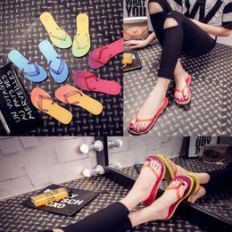 Wholesale Summer Beach Flip Flops Reef Sandals Cheap Reusable Flip Flops Flat Heel Flip Slippers Fashion Models D780L