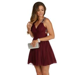 2019 Sexy Burgundy Short Homecoming Dresses Keyhole Backless Beading Crystal Chiffon Short 8th Grade Graduation Party Prom Dress Custom