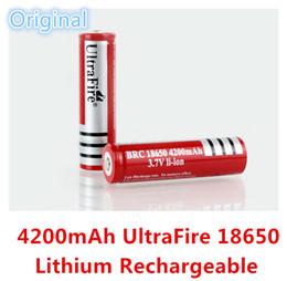 Wholesale Alta calidad original rojo UltraFire Real mAh V baterías recargables de litio para linterna LED A E cig batería láser baratos