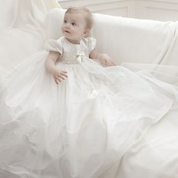 2015 Princess Christening Dresses for Baby Girls Empire Jewel Neck Short Sleeves Baptism Gowns Lace Appliques Ribbon Buttons Back Soft Tulle