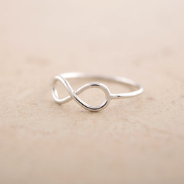 30PCS- R030 Fashion Infinite Rings Friendship Infinity Ring Cute Simple Geometric 8 Eight Rings for Friends Lovers