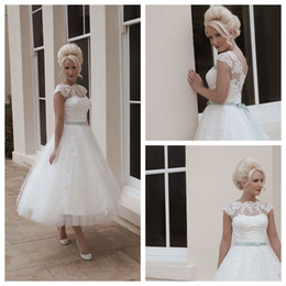 Wholesale 2015 House of Mooshki Short Beach Ball Gown Wedding Dresses Scalloped Tea Length White Tulle Applique Capped Bow Button Wedding Gowns