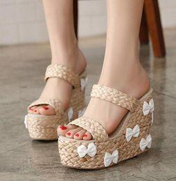Promotion pantoufles chaussures mignonnes Doux Mignon Bowtie paille tressée pantoufles de sandales plate-forme haute Sandales Chaussures Femme 3 couleurs Taille 35 à 39