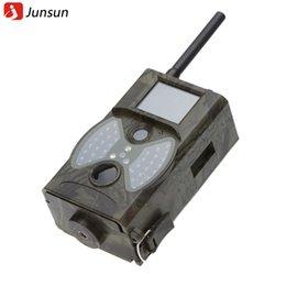 La caza cámara de exploración gsm en Línea-2.0 'cámara de la caza de exploración LCD HC300M HC-300M HD 1080P GPRS MMS cámara digital por infrarrojos trampa Trail salvaje GSM IR Cam Hunter