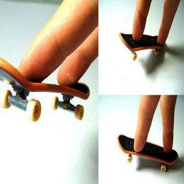 Wholesale Brain Development New Finger Skateboard Deck Mini Board Tech Boys Games Toy FCI