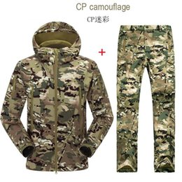 Wholesale Man Camouflage Camping Outdoor Jacket Pant Army Softshell Trousers Camping Hiking ski Male set clothing Waterproof Military Hunting
