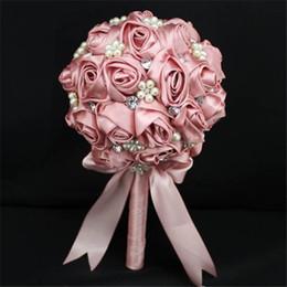 2016 Bridal Wedding Bouquet Rose Flower Bridal Handmade Wedding Bouquet Brooch Crystal Silk Pearls Decorate Silk Artificial Wedding Bouquets