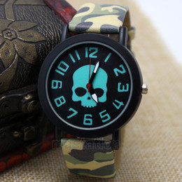 Wholesale Fashion Cool Skull Quartz Wrist Watch Women Men Camouflage Band China Post Airmail