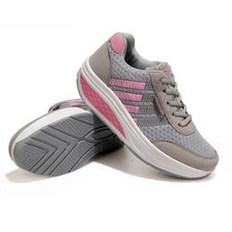Wholesale Solid Mesh Rubber Sole Sneakers Shoes Fashion EVA Foot Pad Fitness Shoes Cheap Women Mesh Sport Shoes Hot Sale