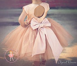 New Flower Girls Dresses For Weddings Champagne Gold Satin Tulle Keyhole Back Knee Length Kids Birthday Party Pageant Ball Gowns Custom Size